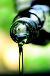 Zapobiegają odkładaniu się toksycznych substancji powodujących zwyrodnienie plamki żółtej, poprawiają ukrwienie naczyń krwionośnych oka.